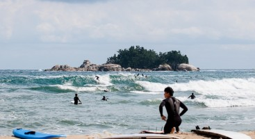 Surfing the 38th Parallel, Photo Essay Series: Seoul Surfers