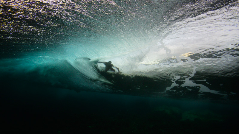 surf underwater photography